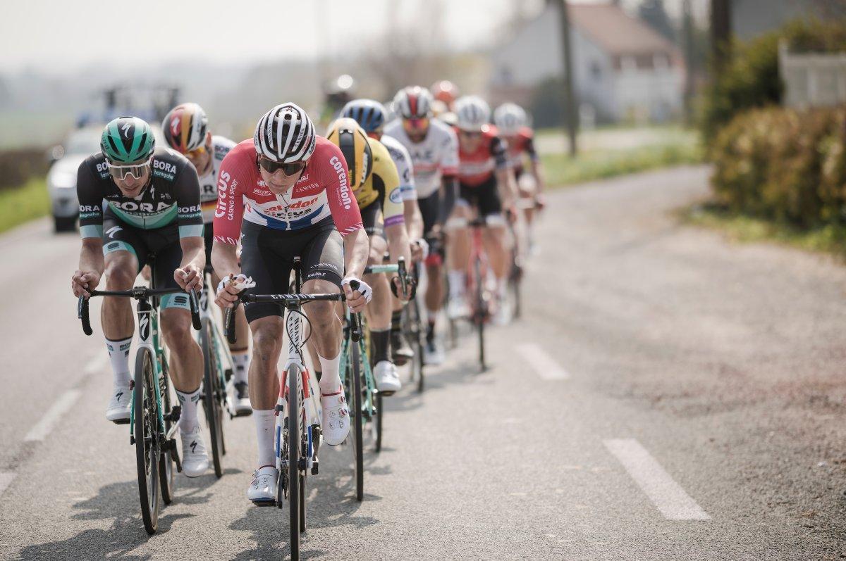 Route - Adrie van der Poel : 'Mathieu est plus fort que moi'