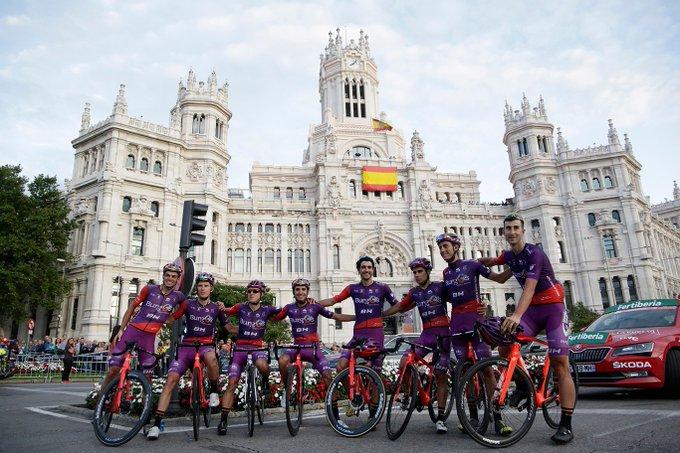 Route - L'effectif complet de la formation Burgos BH en 2020