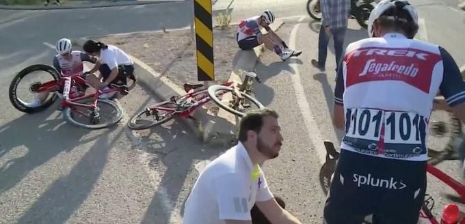 Tour de l'Algarve - Chute, gravier... Dan Martin tacle les commissaires