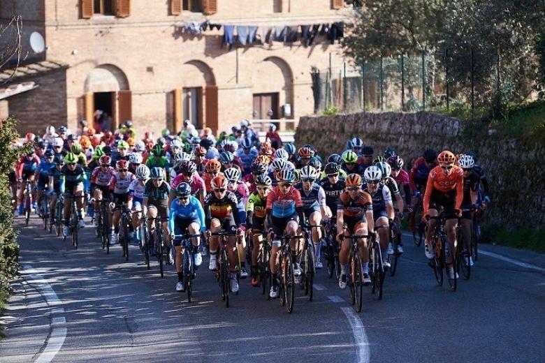 Route - La Française Jade Teolis en stage chez Astana Women