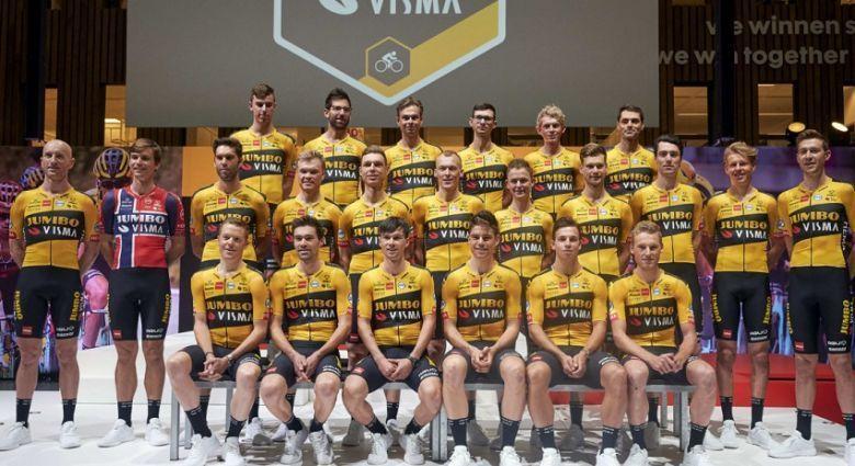Route - La formation Jumbo-Visma est actuellement en stage à Tignes
