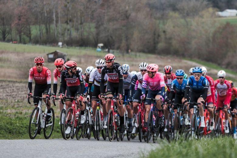 Route - La décision d'arrêter ou non une course sera prise par l'UCI