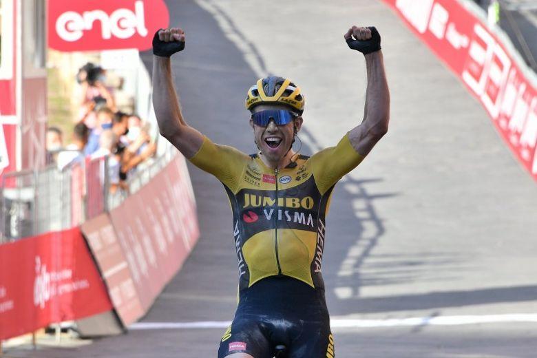 Strade Bianche - Wout Van Aert s'impose devant Formolo et Schachmann