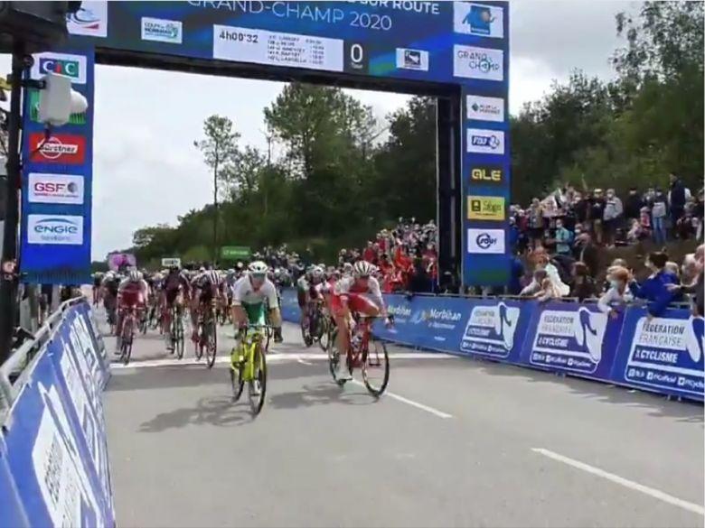 France - Amateurs - Jason Tesson s'impose au sprint, Jeannière 2e