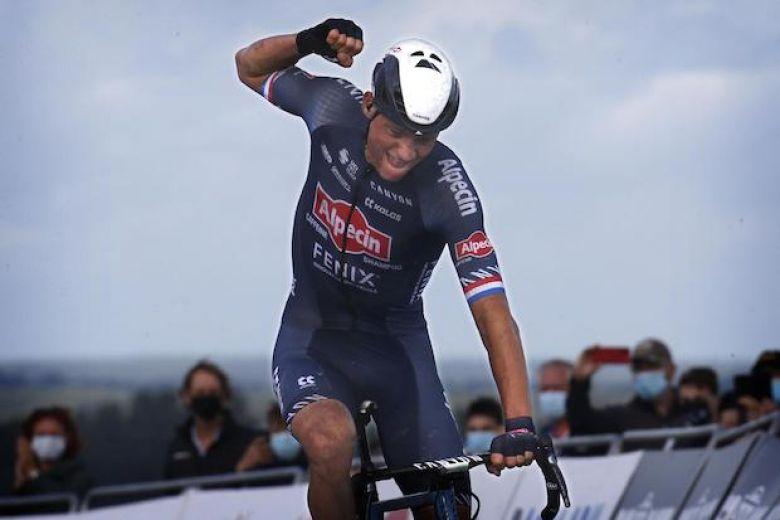 Pays-Bas - Mathieu van der Poel : «Ça ressemblait à une course junior»