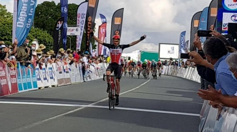 Tour Poitou-Charentes - Sander Armée en solitaire, Démare reste leader