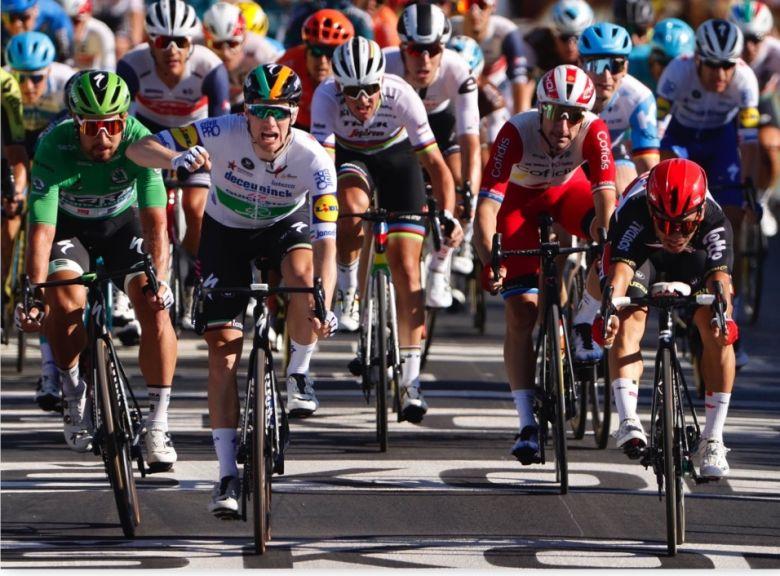 Tour de France - Caleb Ewan, 2e : «J'aurais dû lancer un peu plus tôt»