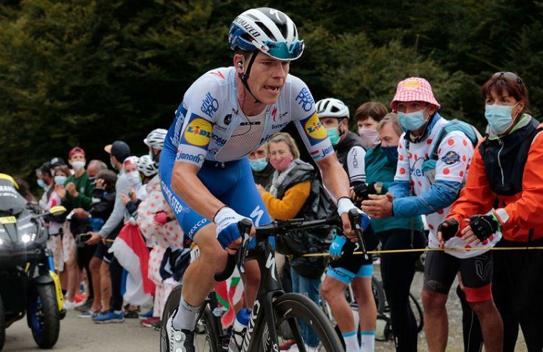 Tour de France - Percuté par une ambulance, Bob Jungels est tombé !