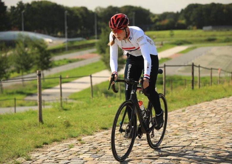 Cyclo-cross - Zoe Backstedt, fille de Magnus, rejoint Tormans-Acrog