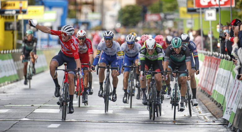 BinckBank Tour - Mads Pedersen gagne devant Philipsen et Ackermann