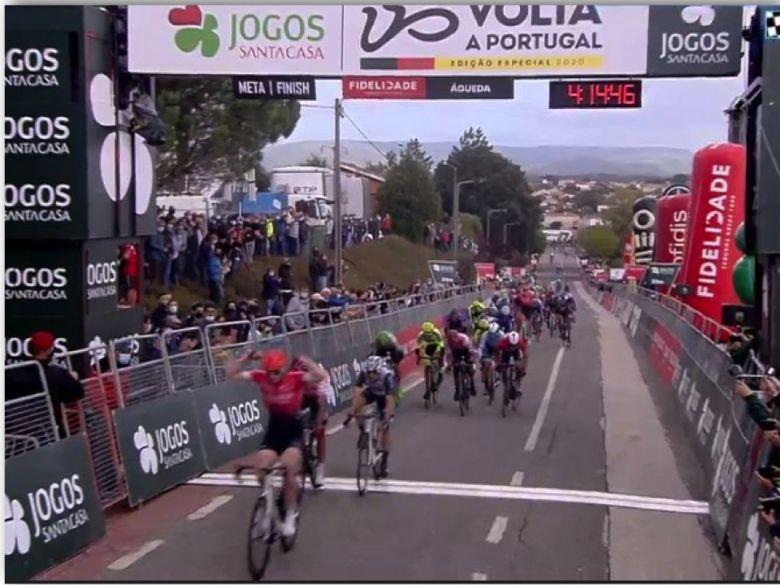 Tour du Portugal - Dan McLay s'impose au sprint devant Linarez