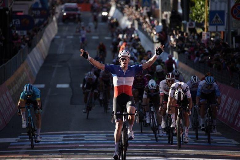 Tour d'Italie - Arnaud Démare facile ! De 2 pour «Nono» sur ce Giro !