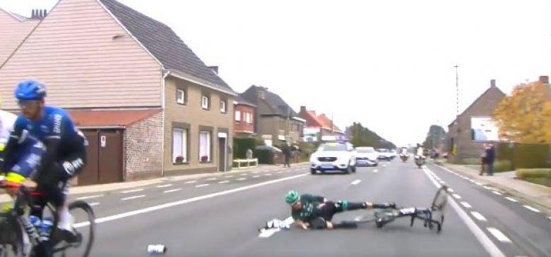 Tour des Flandres - La chute gaguesque de Gregor Mühlberger !
