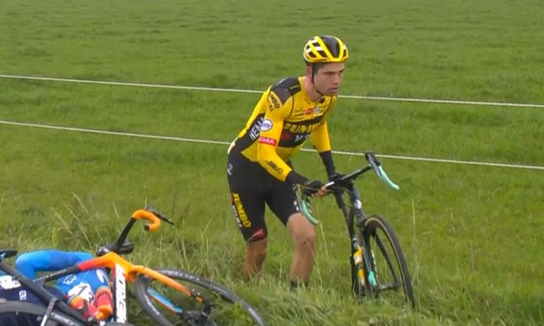 Tour des Flandres - Wout Van Aert et Tim Wellens sont tombés !