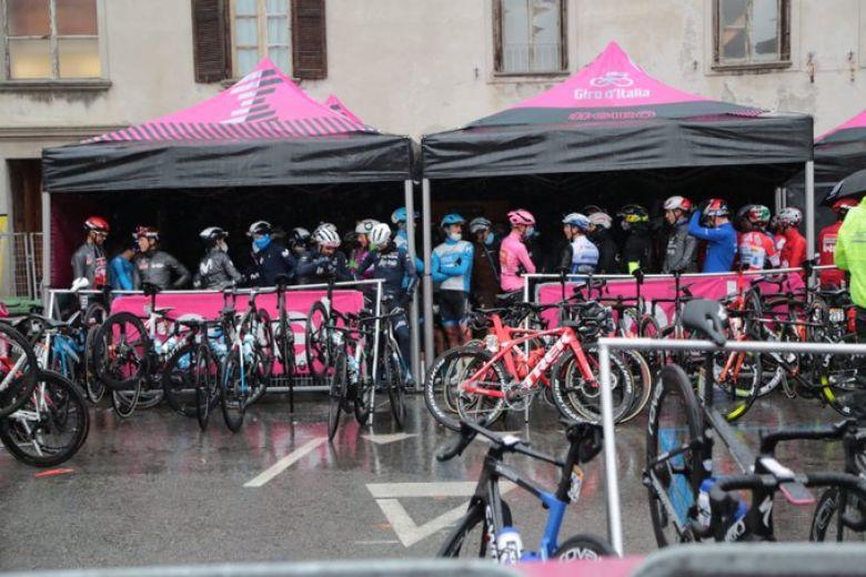 Tour d'Italie - Adam Hansen salue «la solidarité entre les coureurs»