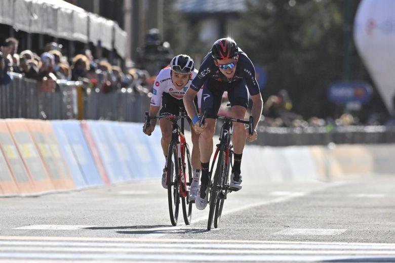 Tour d'Italie - L'étape pour Tao Geoghegan Hart, Jai Hindley en rose