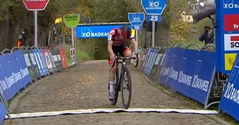 Koppenbergcross (H) - Eli Iserbyt s'impose devant Lars van der Haar