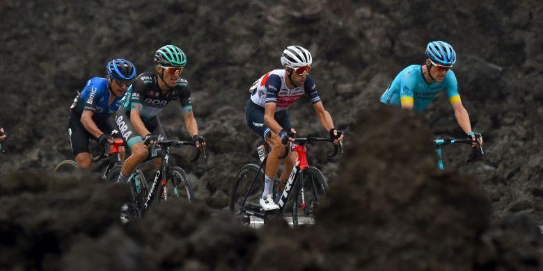 Tour d'Italie - Une arrivée à l'Etna à 2 860 m sur le Giro 2021 ?