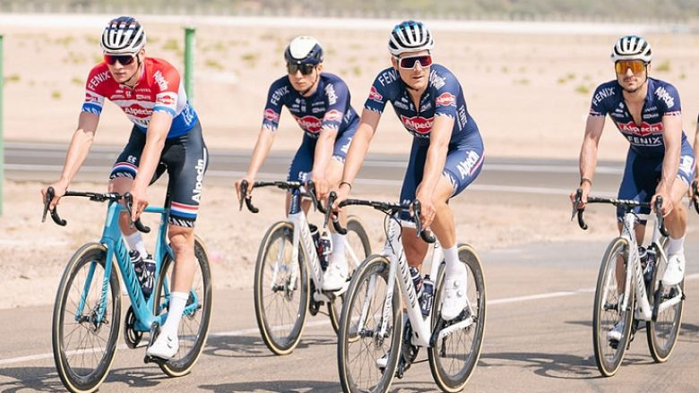UAE Tour - Van der Poel a pu rentrer chez lui, deux coureurs isolés